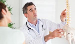 Kiropraktor hjælper med rygsmerter