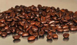 kaffebønner-påp-bord-espresso